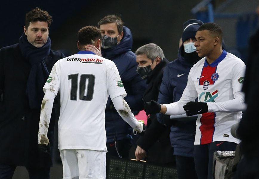 Atacante brasileiro sofreu lesão muscular e deve ficar afastado por quatro semanas. Foto: PSG/Divulgação