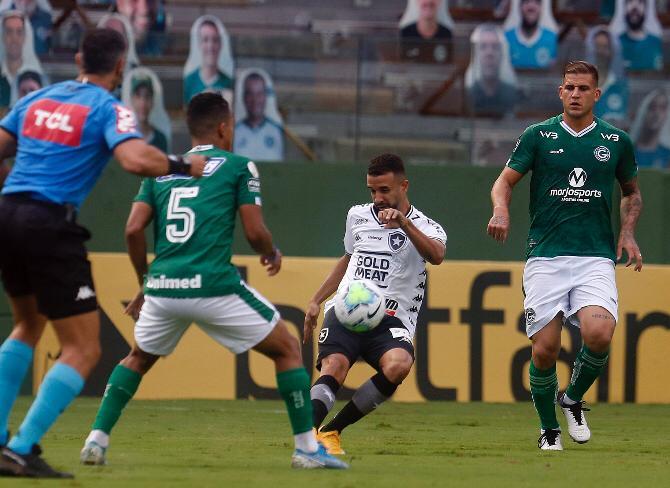 Time de Goiânia encogstou no Vasco e no Bahia e segue sonhando em escapar do Z4. Foto:  Vítor Silva/ BFR