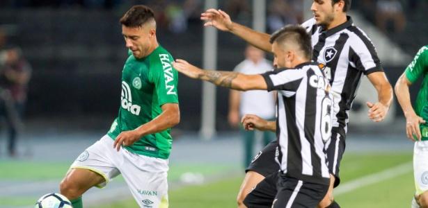 Com o resultado, o Botafogo chegou aos 41 pontos, mas poderá ser ultrapassado pelo Flamengo