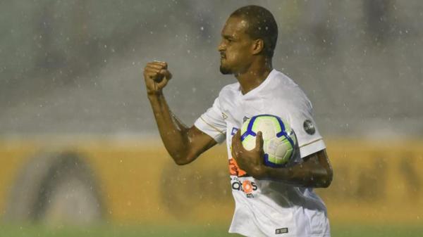 Luiz Felipe comemora gol pelo Santos. Foto: Ivan Storti/Santos FC/Via UOL