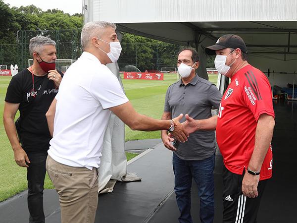 Coordenador de futebol tricolor destacou que novo treinador da equipe conta com Daniel Alves para 2021. Foto: São Paulo/Divulgação