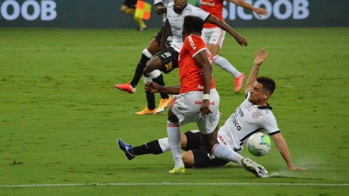 Equipe colorada teve dois gols anulados e um pênalti invalidado. Foto: Divulgação