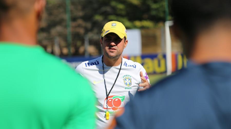 André Jardine comandou a seleção olímpica na goleada contra a Guatemala. Foto: Divulgação/CBF