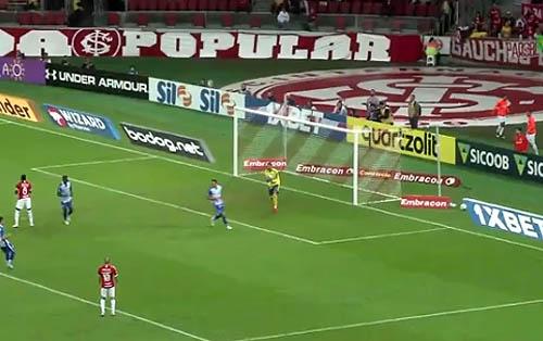 Equipe colorada marcou seus gols na segunda etapa. Foto: TV UOL/Reprodução
