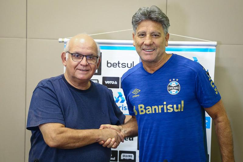 Treinador gaúcho fica no tricolor por mais um ano. Foto: Lucas Uebel/Grêmio FBPA