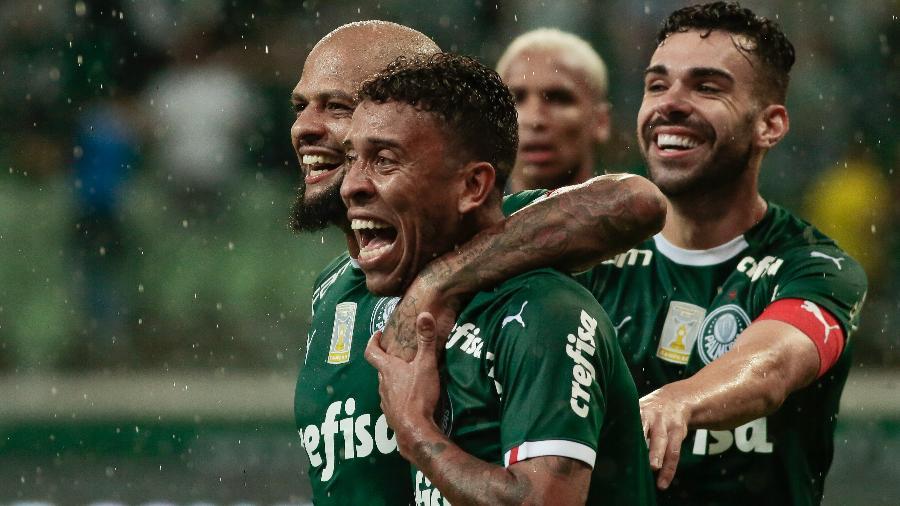 Marcos Rocha comemora seu gol pelo Palmeiras contra o Fortaleza. Foto: Marcello Zambrana/AGIF