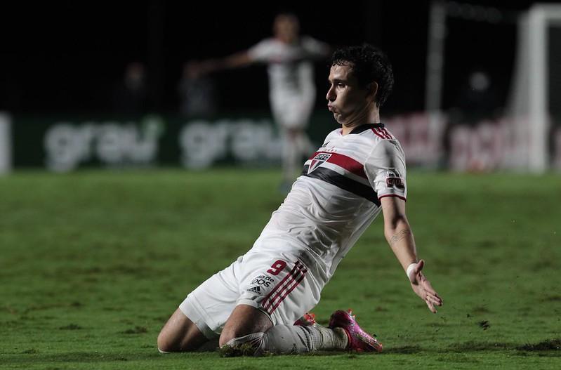 Camisa 9 tricolor destacou a importância do coordenador de futebol do clube. Foto: Rubens Chiri/saopaulofc.net