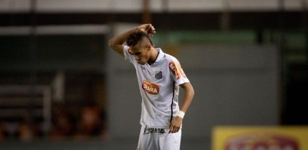 Neymar se rebela contra Dorival no Campeonato Brasileiro de 2010. Foto: Ricardo Nogueira/FolhaPress/Via UOL