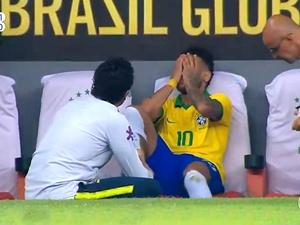 Neymar chora no banco de reservas após deixar amistoso Brasil e Qatar, em Brasília