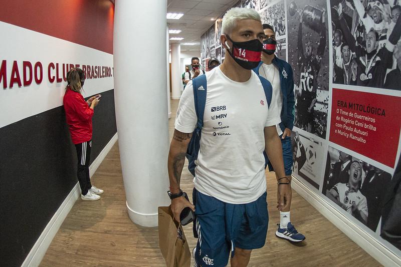 Meia uruguaio tem negociações com um time do Egito, diz a ESPN Brasil. Foto: Alexandre Vidal/Flamengo