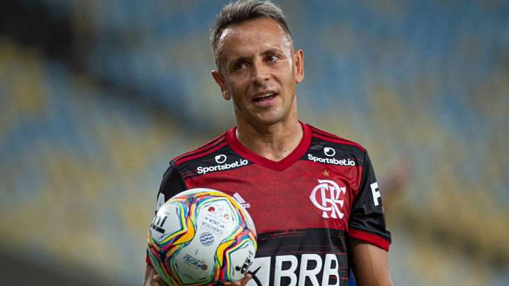 Lateral rescindiu contrato com clube grego. Foto: Alexandre Vidal/Flamengo