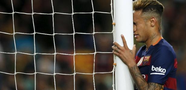 """""""Neymar é caçado em festa de premiação da Premier League"""""""