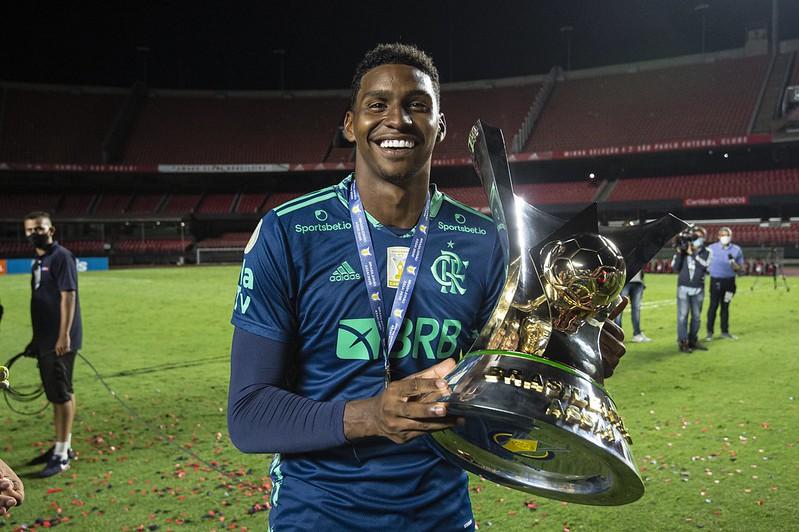 O Ajax seria uma das equipes interessadas no arqueiro flamenguista. Foto: Alexandre Vidal/Flamengo