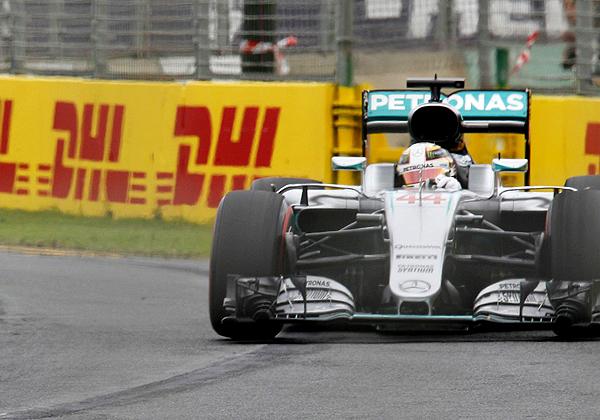 Britânico largou na frente no GP da Austrália de 2016. Foto: Mercedes/Divulgação