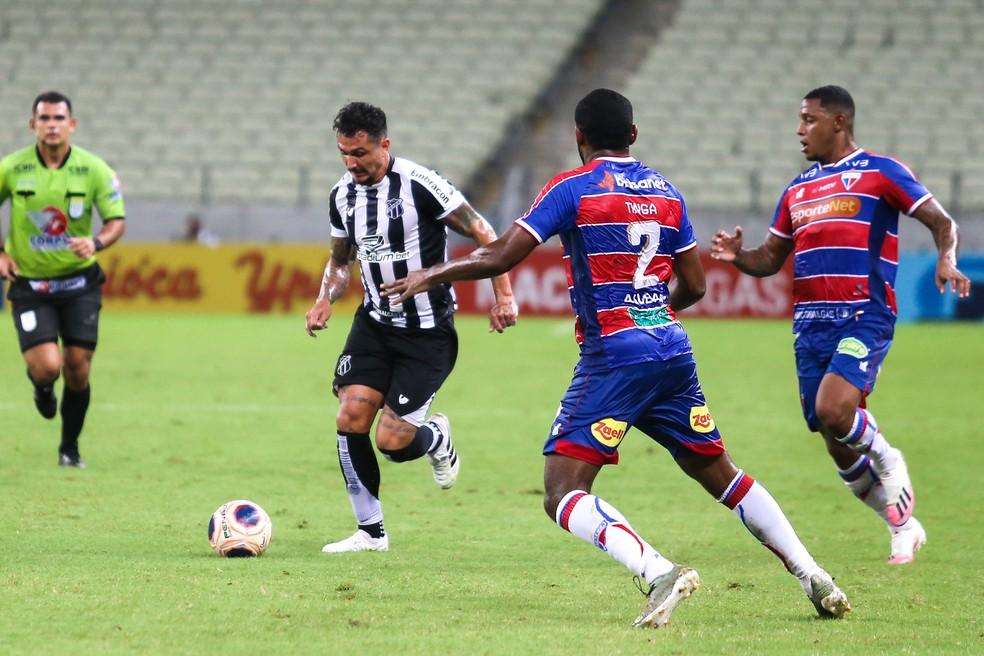 Equipes se enfrentam no Castelão. Foto: Felipe Santos/cearasc.com