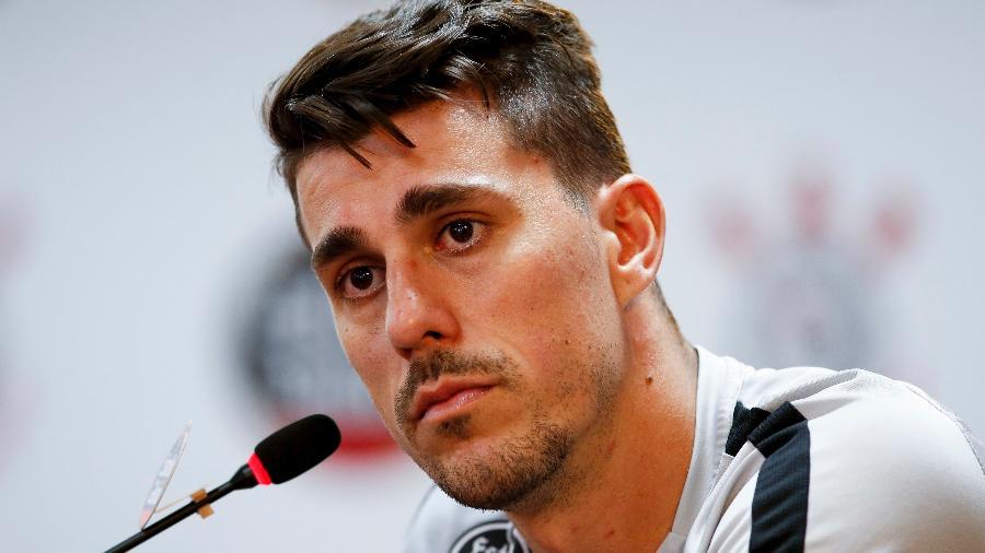 Danilo Avelar acha que o time está no caminho certo. Foto: : MARCO GALVãO/FOTOARENA/ESTADÃO CONTEÚDO