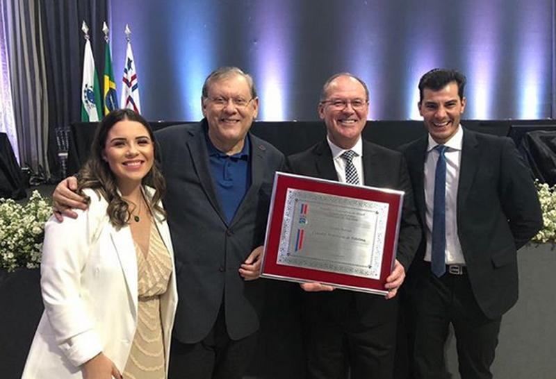 Jaime Basso exibe com orgulho o seu título de Cidadão Palotinense