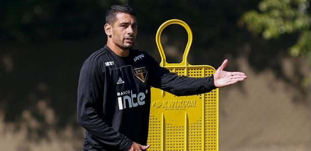 Diego Souza foi a novidade no treino do São Paulo, nesta quinta-feira, no CT da Barra Funda