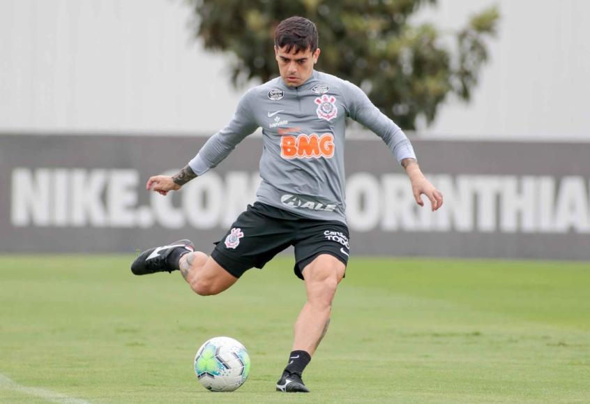 Fagner é dúvida na escalação do Timão. Foto: Rodrigo Coca/Ag Corinthians