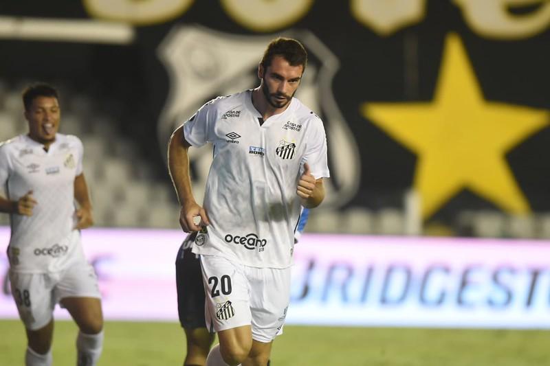 Laercio está perto de ser anunciado pelo time catarinense. Foto: Ivan Storti/Santos FC