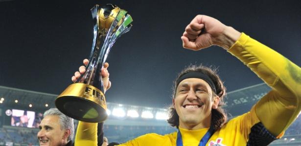 Justiça penhorou taça do Mundial de 2012 conquistada pelo Corinthians