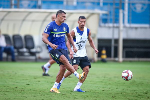 Diego Souza estará em campo neste domingo. Foto: Lucas Uebel/Grêmio