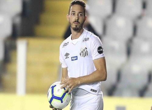 O Peixe tem  17 pontos na tabela, dois a menos que o Palmeiras. (Foto: Guilherme Dionízio)