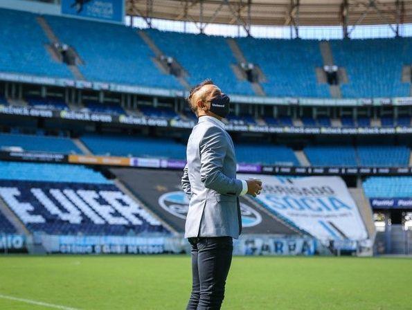 Lateral tricolor ressaltou sua admiração pelo treinador. Foto: Lucas Uebel / Grêmio FBPA