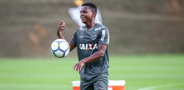 Levir tem dúvida entre Cazares e Terans no meio-campo. Foto: Bruno Cantini/Divulgação/Atlético-MG/Via UOL