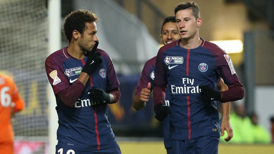 Neymar comemora gol do PSG ao lado de Draxler. Foto: Jean Catuffe/Getty Images