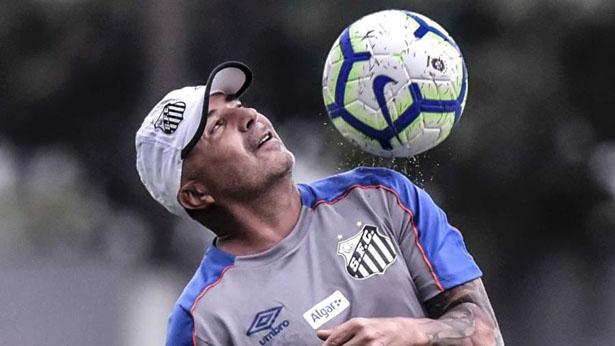 Técnico do Santos em treino no CT Rei Pelé. Foto: Ivan Storti/Santos FC/Via UOL