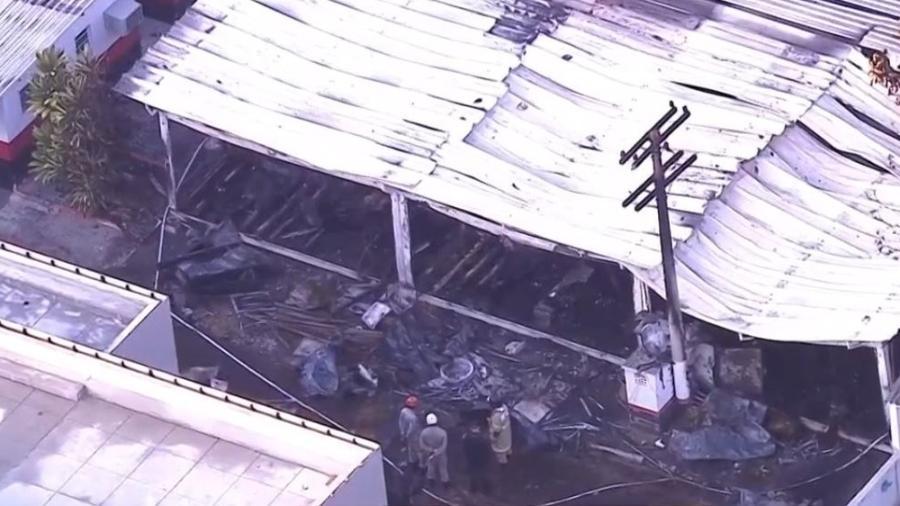 Alojamento do Ninho do Urubu foi atingido por incêndio. Foto: Reprodução/SporTV