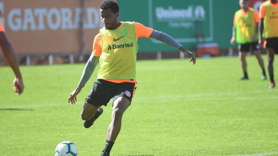 Rithely tem vínculo com o Sport. Foto: Ricardo Duarte/Inter
