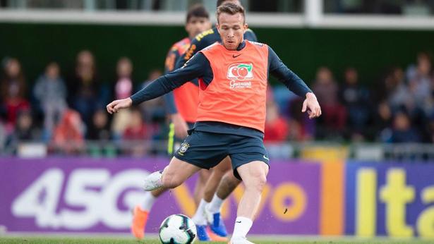 Arthur, durante treino da seleção brasileira antes da Copa América. Foto: Lucas Figueiredo/CBF