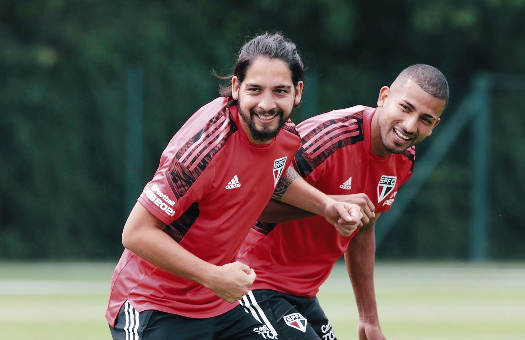 """Meia afirmou que o Tricolor é """"admirado"""" na Argentina. Foto: Rubens Chiri/saopaulofc.net"""