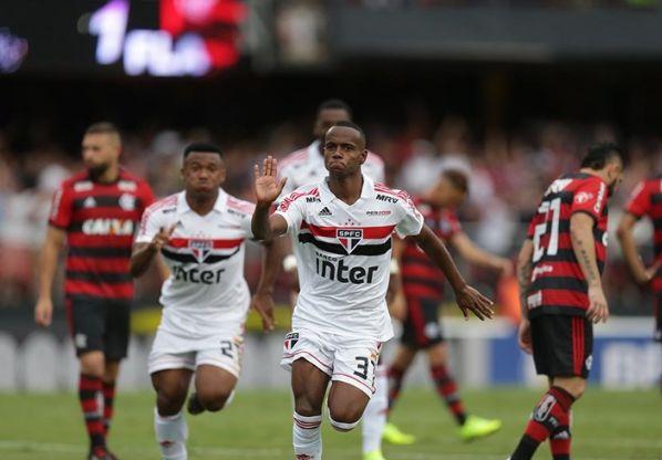 Helinho deve ser comprado por cerca de R$ 23 milhões pelo clube de Bragança. Foto: Rubens Chiri/saopaulofc.net