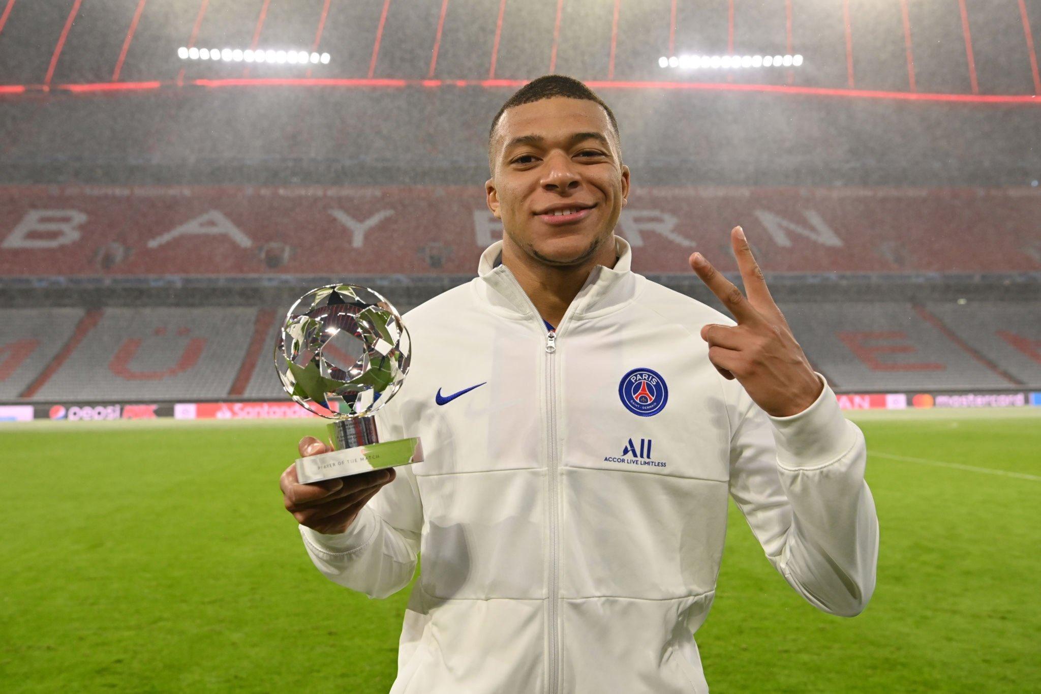 Atacante francês tem contrato com o clube de Paris até 2022. Foto: Facebook/Reprodução