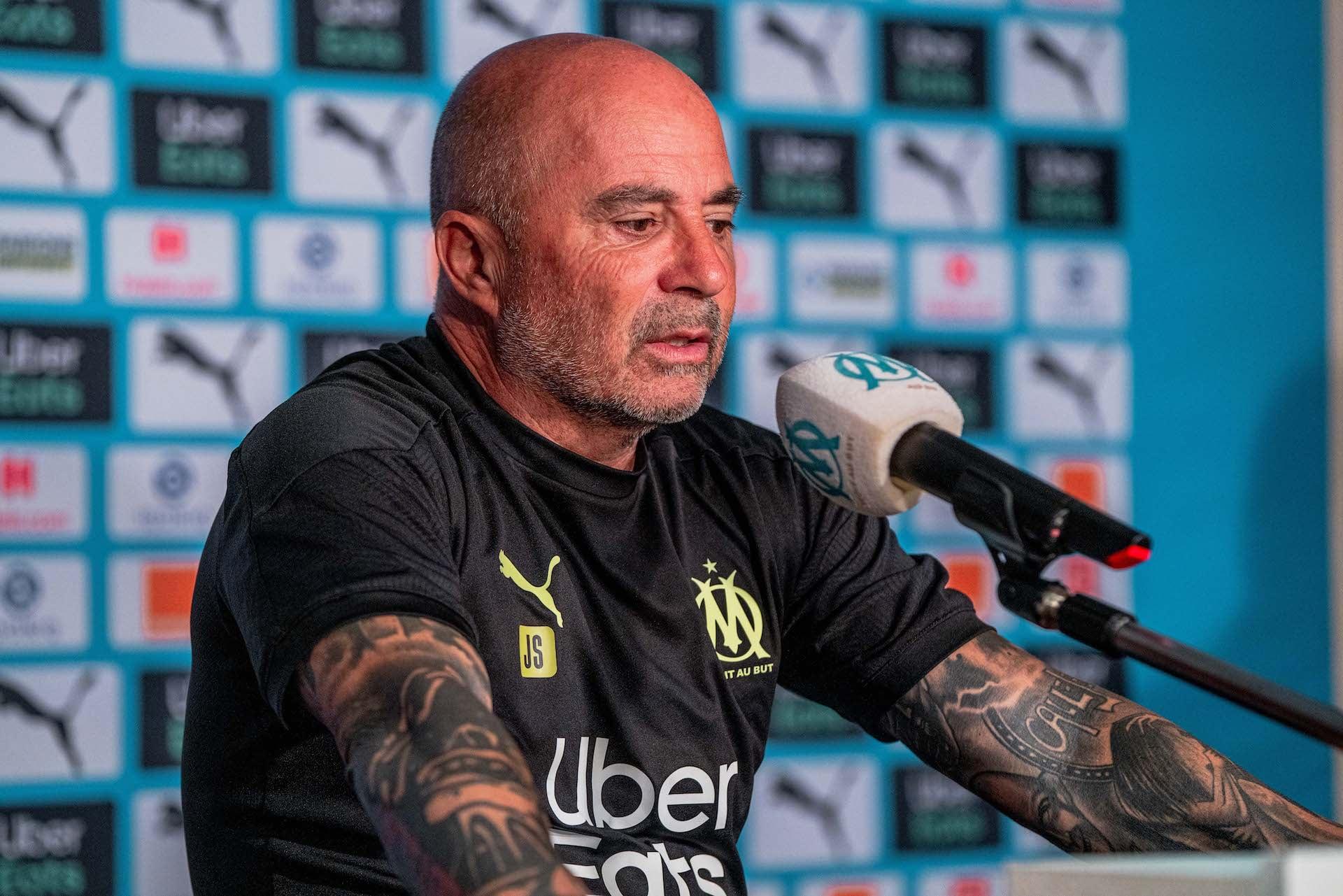 Treinador argentino comandou o Marselha em quatro jogos e venceu três. Foto: Facebook/Reprodução