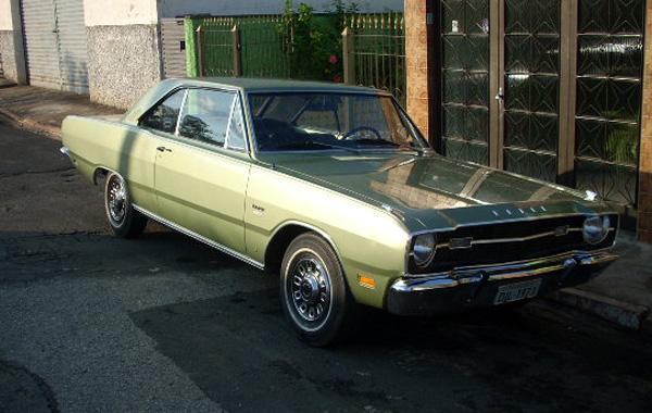 Dodge Dart coupe Verde Fronteira. Foto: Alexandre Badolato, proprietário do carro