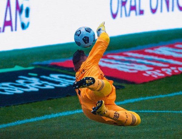 Diego Alves brilhou na disputa de pênaltis. Foto: Clube de Regatas do Flamengo