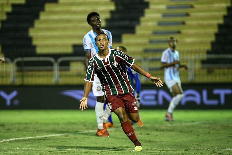 Kayky tem 17 anos e tem chamado atenção no Flu. Foto: Lucas Merçon/ Fluminense FC