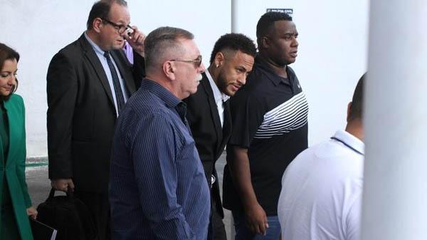 Jogador do PSG prestou depoimento em São Paulo. Foto:  AMAURI NEHN/BRAZIL NEWS/Via UOL