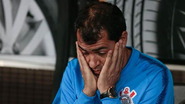 Fábio Carille tem alguns problemas a solucionar durante a parada para a Copa América. Foto: Marcello Zambrana/AGIF