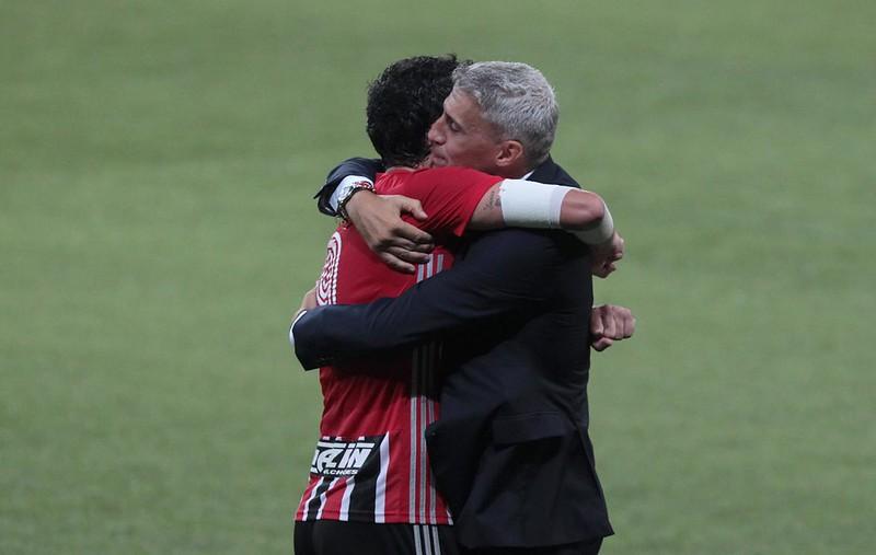 Treinador Tricolor destacou o profissionalismo de seus jogadores. Foto: Rubens Chiri/saopaulofc.net