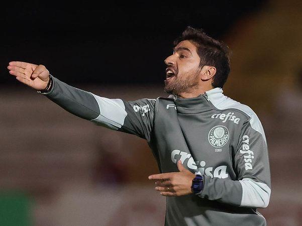 Treinador do Verdão criticou pichações feitas pela torcida no Allianz Parque. Foto: Cesar Greco