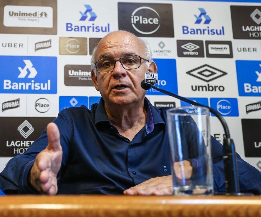 Romildo Bolzan destacou que novo técnico será escolhido após reformulação na diretoria. Foto: Lucas Uebel/Grêmio FBPA