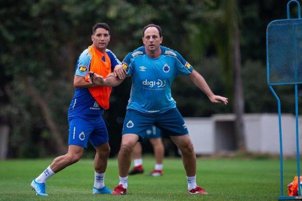 Ex-camisa 10 da Raposa criticou a postura de Ceni no clube. Foto: Bruno Haddad/Cruzeiro