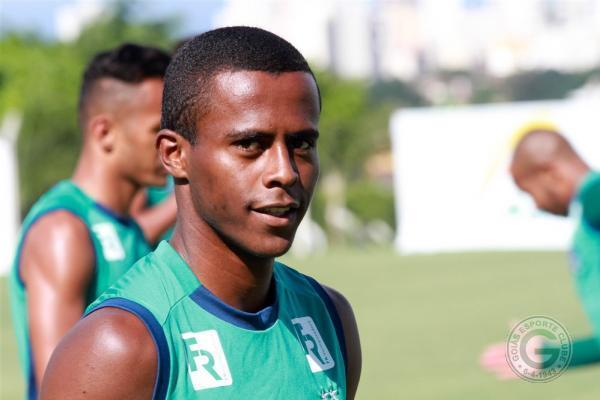 Carlos Eduardo, atacante do Goiás, interessa ao São Paulo para 2018. Foto: E.C. Goiás/Divulgação