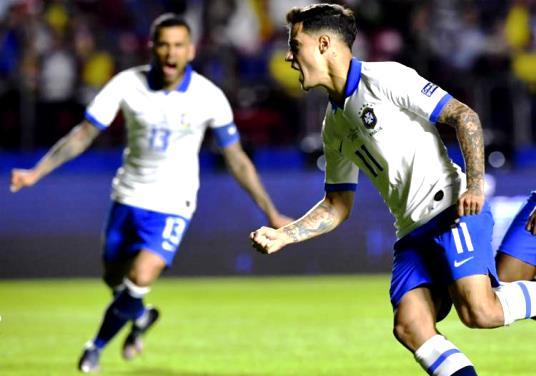 Brasil faz 3 a 0 na Bolívia com direito a pênalti decidido pelo VAR e golaço de Everton