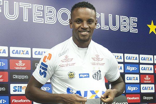 Zagueiro está fora dos planos de Holan e tem contrato até 2022. Foto: Ivan Storti/Santos FC